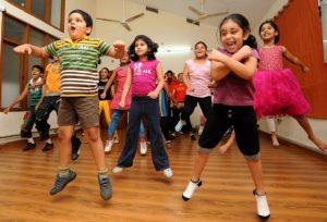 Dansuri copii mici, lecții de dansuri pentru copii.