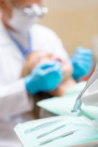 Servicii stomatologice de calitate inseamna materiale si instrumente bune