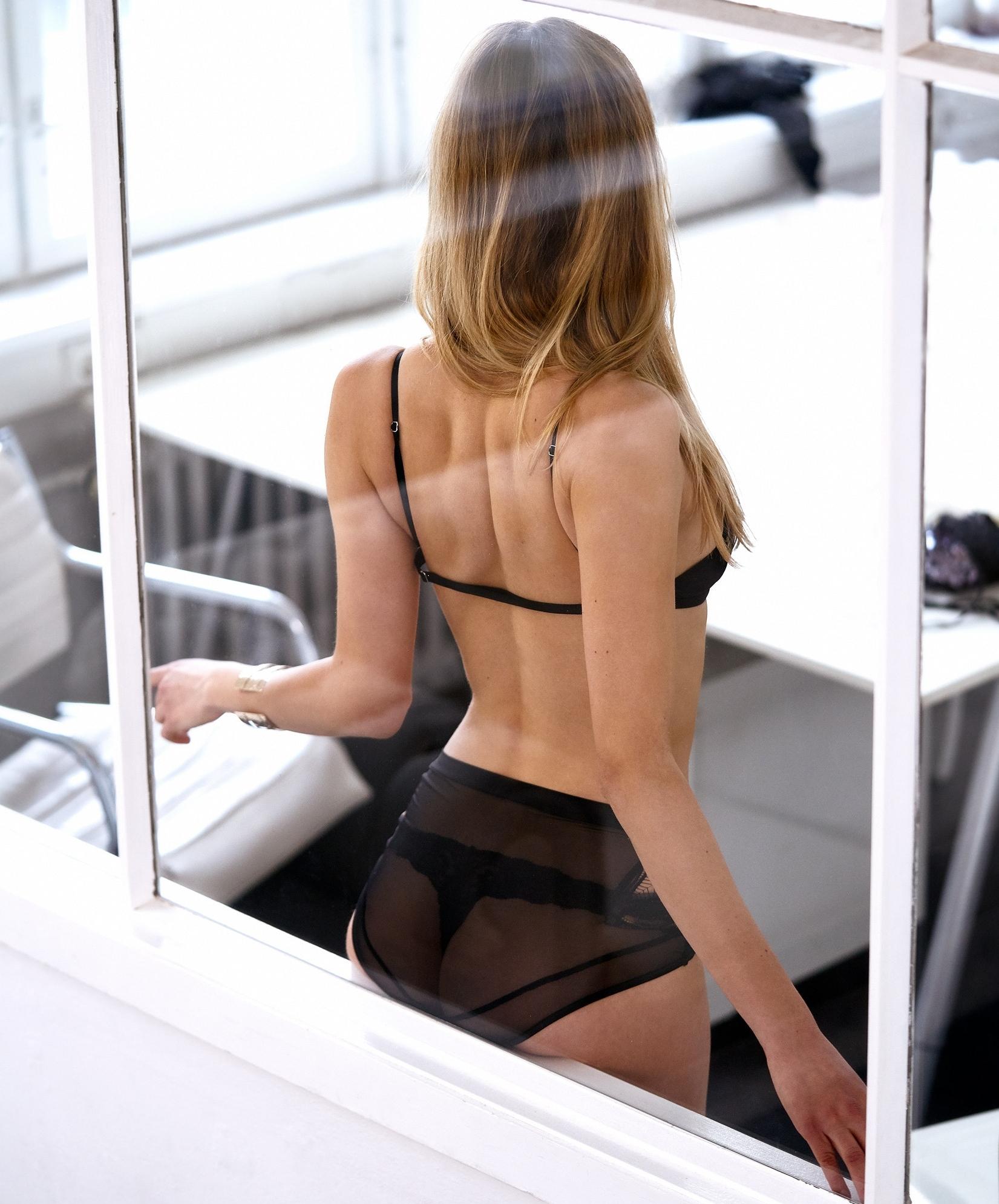 Contureaza-ti rotunjimile apetisante cu o lenjerie intima potrivita posteriorului tau