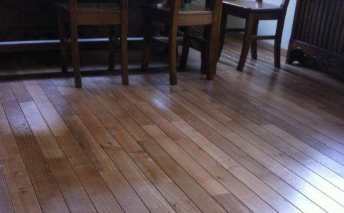 Parchet lemn masiv Stejar - aspect dusumea