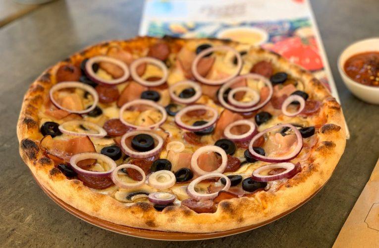Gatim sau comandam pizza?