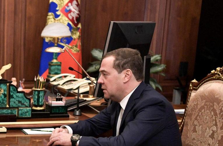 Guvernul rus a demisionat, Putin vrea schimbarea constituției